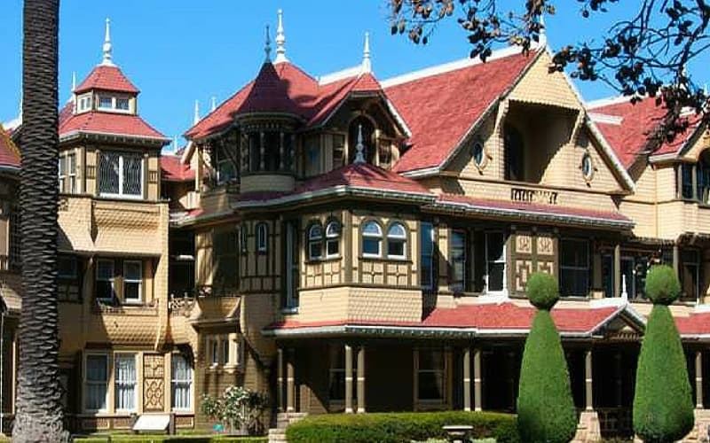the-real-life-winchester-mystery-house