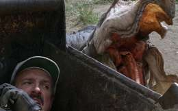 Tremors 2: Aftershocks (1996) Review