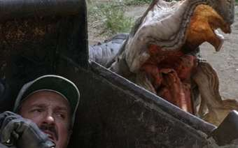 tremors-2-aftershocks-1996-review