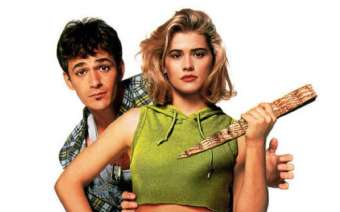 Buffy the Vampire Slayer (1992) Review