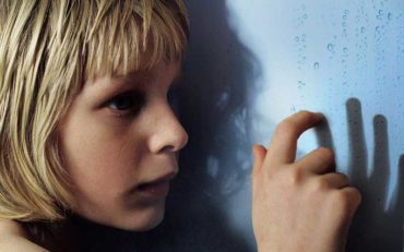 Let The Right One In Review (2008)